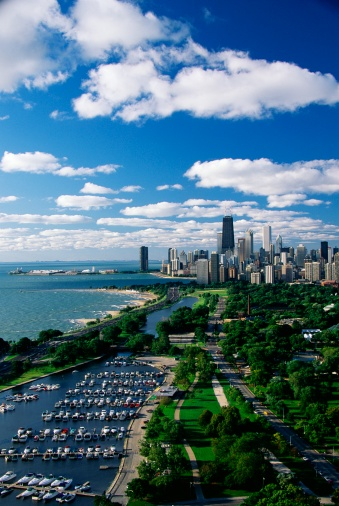 "Great Lakes「""This shows Lincoln Park, Diversey Harbor, and Lake Michigan looking south toward the skyline. It has morning light in summertime. There are boats moored in the harbor next to the lake.""」:スマホ壁紙(14)"