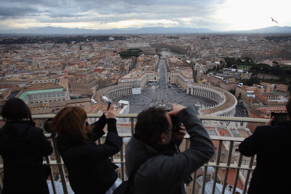 Basilica「The Vatican Prepares For The Election Of The Next Pope」:写真・画像(8)[壁紙.com]