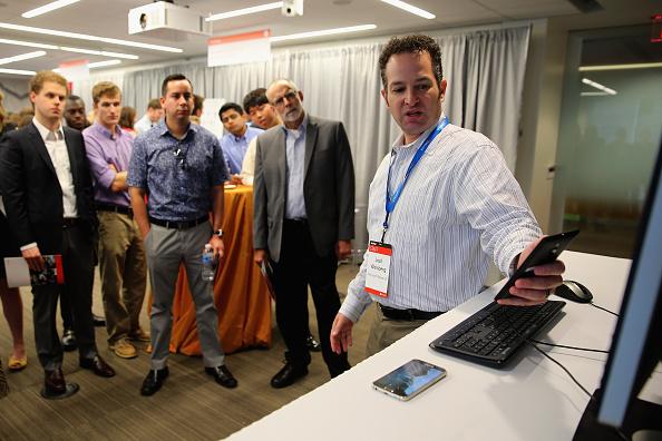 Big Data「Microsoft Shows Off Its New Technology At Tech Fair In Washington, DC」:写真・画像(11)[壁紙.com]