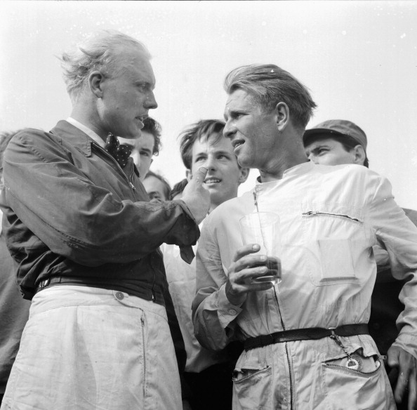 Victor Blackman「Mike Hawthorn And Peter Collins」:写真・画像(2)[壁紙.com]