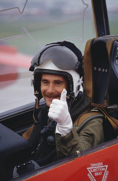 レーシングドライバー「Mansell With Red Arrows」:写真・画像(2)[壁紙.com]