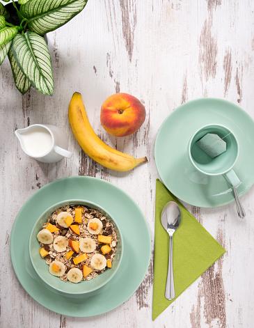 杏「混合穀物果物と緑の色を健康的な朝食、早朝。」:スマホ壁紙(7)