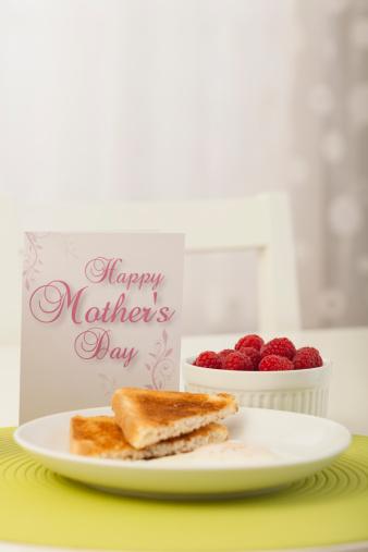 母の日「Healthy breakfast with Mother's day greeting card」:スマホ壁紙(3)