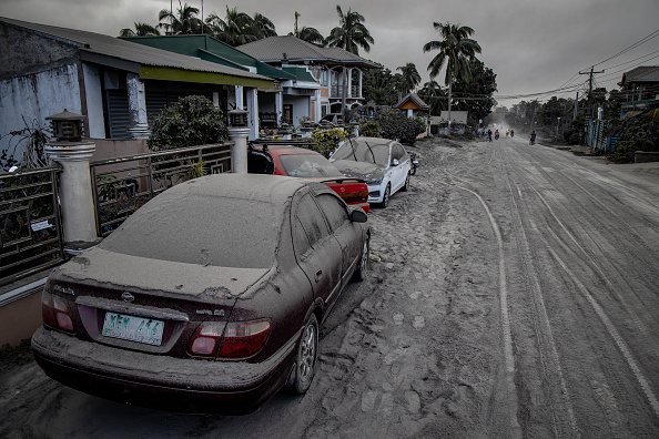 Philippines「Taal Volcano Erupts In The Philippines」:写真・画像(10)[壁紙.com]