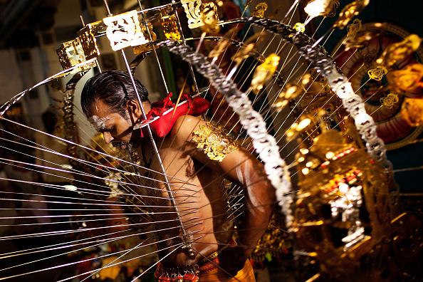 Pierced「Singapore Hindus Celebrate Thaipusam Festival」:写真・画像(19)[壁紙.com]