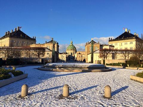 Denmark「Amalienborg Palace in winter, Copenhagen, Denmark」:スマホ壁紙(9)