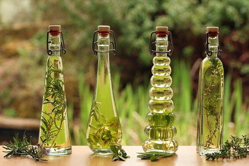 Lemon Verbena「herb oils in bottles」:スマホ壁紙(10)