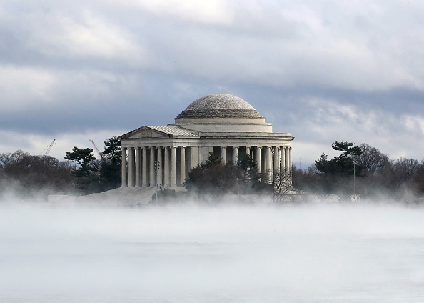 Fog「Fog Rises On The Tidal Basin In Washington」:写真・画像(17)[壁紙.com]