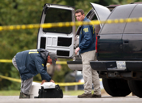 Shooting - Crime「Police Investigate A Possible Sniper Shooting In Virginia」:写真・画像(19)[壁紙.com]