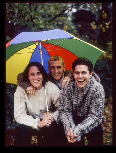 Arm Around「Hollyoaks Stars」:写真・画像(18)[壁紙.com]