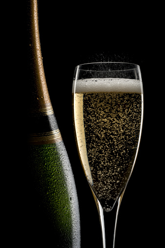 お正月「シャンパンの静物」:スマホ壁紙(16)