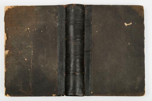 Antique「Black book cover」:スマホ壁紙(9)