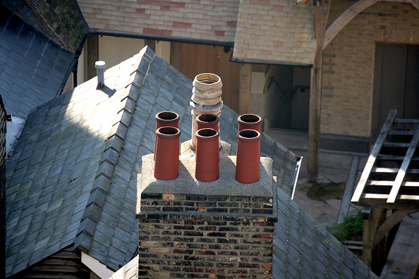 Chimney「Renovated Victorian chimney」:写真・画像(1)[壁紙.com]