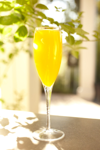 Resort「Mimosa orange juice cocktail in champagne glass」:スマホ壁紙(14)