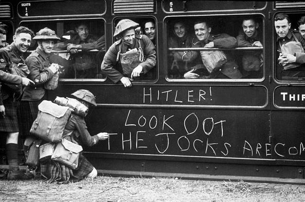 France「Look Out Hitler!」:写真・画像(3)[壁紙.com]