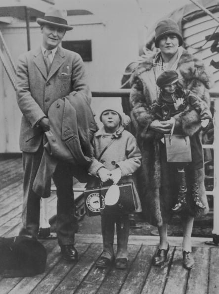 F Scott Fitzgerald「F Scott Family」:写真・画像(2)[壁紙.com]