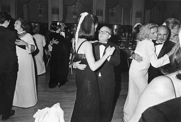 モノクロ「Dancing The Night Away」:写真・画像(3)[壁紙.com]