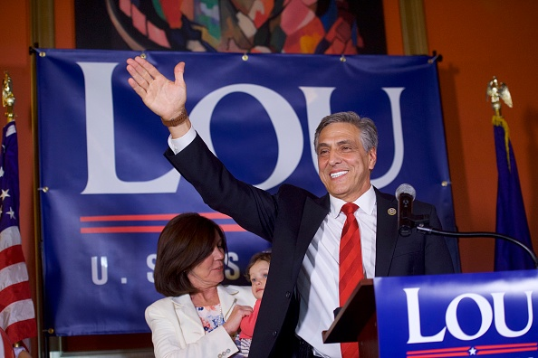 Oregon - US State「GOP Senate Candidate In Pennsylvania Rep. Lou Barletta Addresses Supporters After Results Of  State's Primary Election Announced」:写真・画像(4)[壁紙.com]