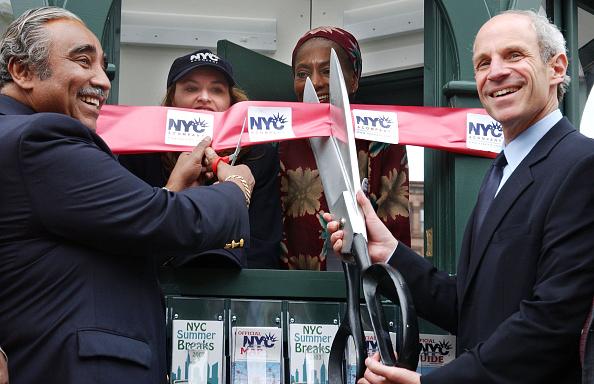 Concepts「New Tourist Information Kiosk Opens In Harlem」:写真・画像(5)[壁紙.com]