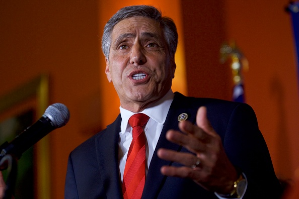 Oregon - US State「GOP Senate Candidate In Pennsylvania Rep. Lou Barletta Addresses Supporters After Results Of  State's Primary Election Announced」:写真・画像(2)[壁紙.com]