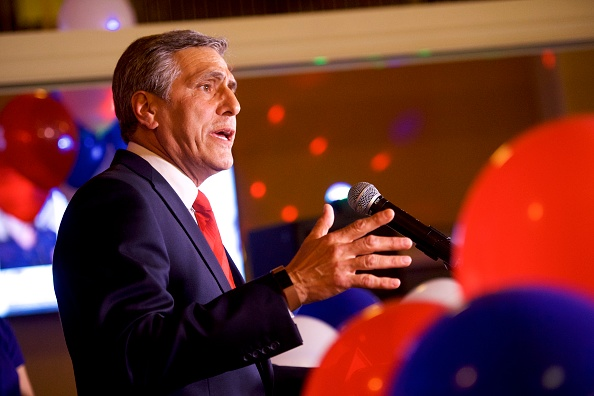 Oregon - US State「GOP Senate Candidate In Pennsylvania Rep. Lou Barletta Addresses Supporters After Results Of  State's Primary Election Announced」:写真・画像(5)[壁紙.com]