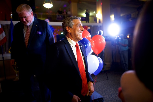 Oregon - US State「GOP Senate Candidate In Pennsylvania Rep. Lou Barletta Addresses Supporters After Results Of  State's Primary Election Announced」:写真・画像(10)[壁紙.com]