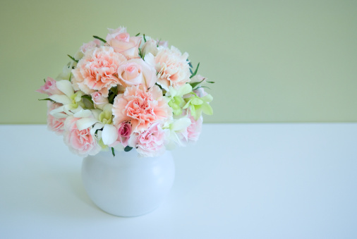 カーネーション「Carnations in vase」:スマホ壁紙(7)
