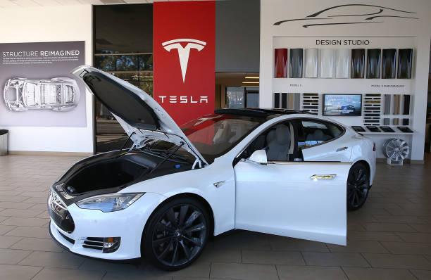 Electronic Car Maker Telsa Reports Quarterly Earnings:ニュース(壁紙.com)