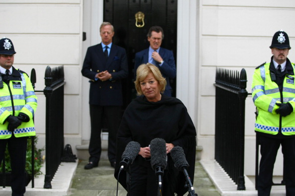Jordan Mansfield「Tributes Are Placed Outside Former Prime Minister Margaret Thatcher's Home Following Her Death On Monday」:写真・画像(14)[壁紙.com]