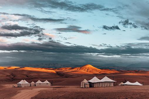 Tent「berber tent in the sahara desert」:スマホ壁紙(14)