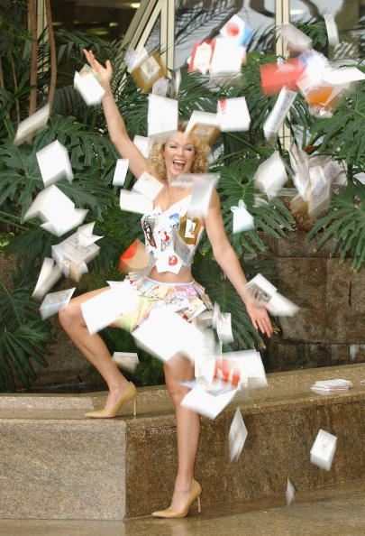 Steve Wood「Nell McAndrew Launches Christmas Card Recycling Scheme   」:写真・画像(16)[壁紙.com]