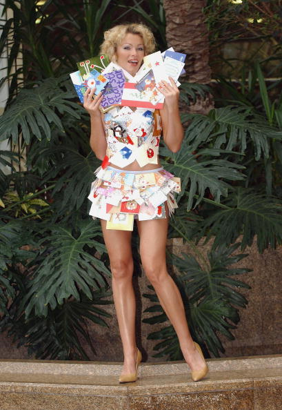 Steve Wood「Nell McAndrew Launches Christmas Card Recycling Scheme   」:写真・画像(17)[壁紙.com]