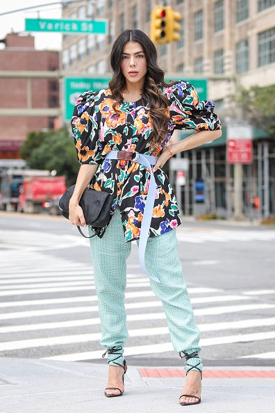 Puffed Sleeve「Street Style - New York Fashion Week September 2019 - Day 5」:写真・画像(8)[壁紙.com]