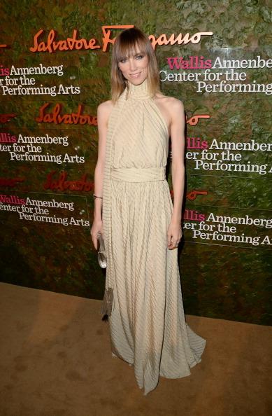 Medium-length Hair「Wallis Annenberg Center For The Performing Arts Inaugural Gala Presented By Salvatore Ferragamo - Red Carpet」:写真・画像(18)[壁紙.com]