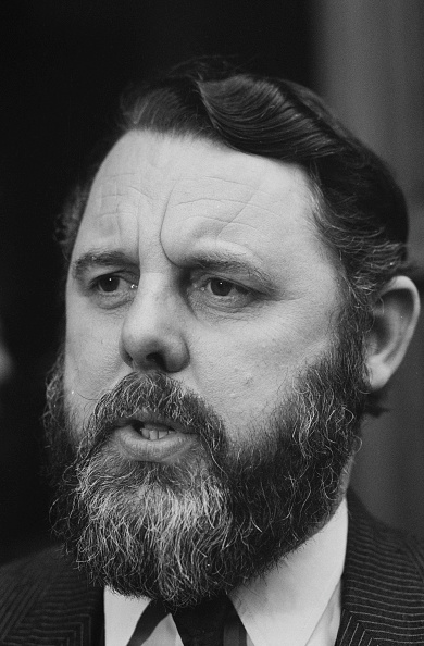Anglican「Terry Waite, British Envoy For The Church Of England」:写真・画像(8)[壁紙.com]