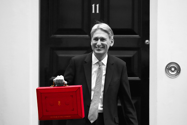 Budget「Chancellor Leaves Downing Street For Budget Speech」:写真・画像(7)[壁紙.com]