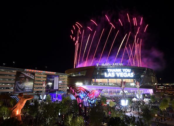 ラスベガスアリーナ「T-Mobile Arena And Toshiba Plaza Grand Opening In Las Vegas」:写真・画像(1)[壁紙.com]