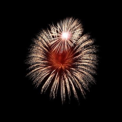 花火「Fireworks exploding in sky, Malta」:スマホ壁紙(12)