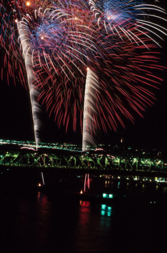 Canada Day「Fireworks exploding above Montreal , Quebec , Canada」:スマホ壁紙(16)