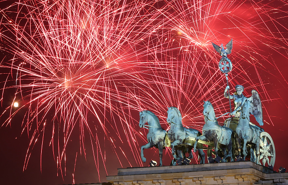 Germany「Berlin Celebrates New Year's Eve 2014」:写真・画像(9)[壁紙.com]