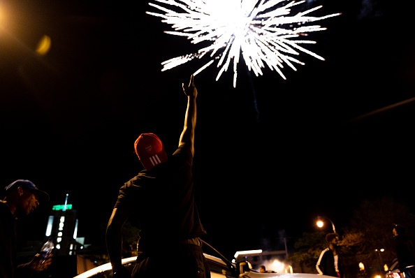 Firework Display「Protests Continue Over Death Of George Floyd, Killed In Police Custody In Minneapolis」:写真・画像(11)[壁紙.com]