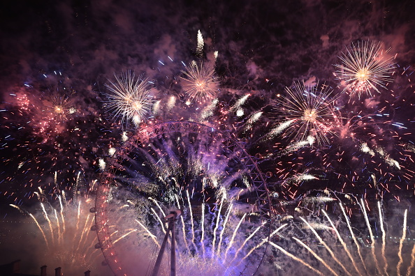 Amusement Park Ride「London Fireworks See In The New Year」:写真・画像(11)[壁紙.com]