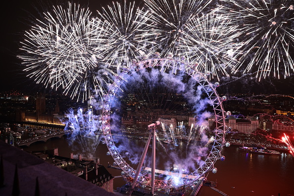 Amusement Park Ride「London Fireworks See In The New Year」:写真・画像(19)[壁紙.com]