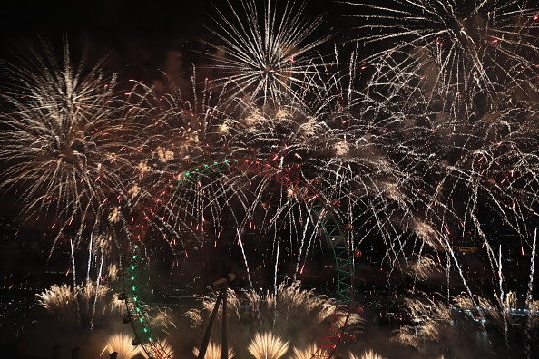 Amusement Park Ride「London Fireworks See In The New Year」:写真・画像(12)[壁紙.com]