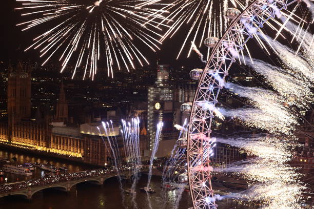 London Fireworks See In The New Year:ニュース(壁紙.com)