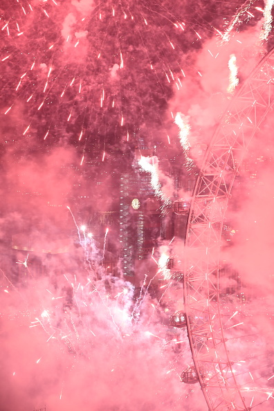 Amusement Park Ride「London Fireworks See In The New Year」:写真・画像(4)[壁紙.com]