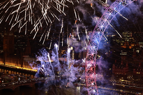 Amusement Park Ride「London Fireworks See In The New Year」:写真・画像(5)[壁紙.com]