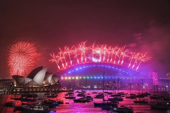 New Year「Sydney Celebrates New Year's Eve 2019」:写真・画像(2)[壁紙.com]