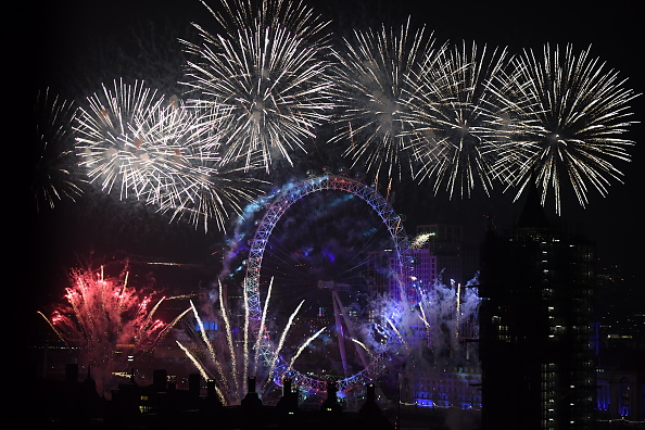 Westminster Abbey「New Year Celebrations In London」:写真・画像(10)[壁紙.com]