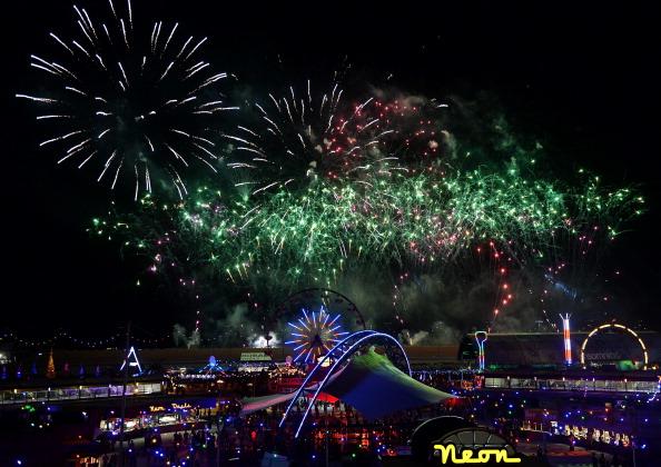 EDC「17th Annual Electric Daisy Carnival - Day 2」:写真・画像(4)[壁紙.com]